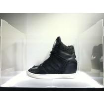 Schuhe Schwarz & Weiß Unisex Adidas Originals M Attitude Up B35328
